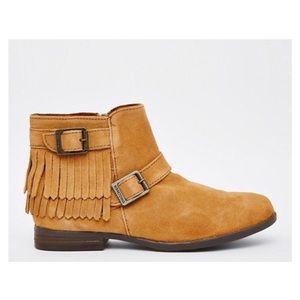 Minnetonka Rancho Fringe Boots
